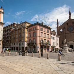 Piazza Cavalli - centro storico di Piacenza